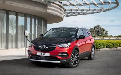 Vauxhall Grandland X Hybrid4 Finance and News